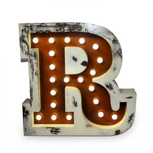 LETTER R GRAPHIC